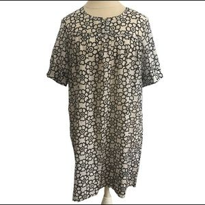 Dress Black & Cream Floral Pattern